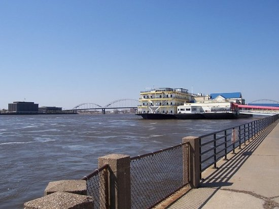 Davenport, Айова: riverboat