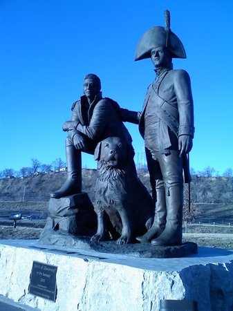 Sioux City, IA: Lewis & Clark with their dog, Seamen.