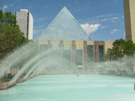 ‪Edmonton City Hall‬