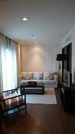 Saladaeng Colonnade: living area