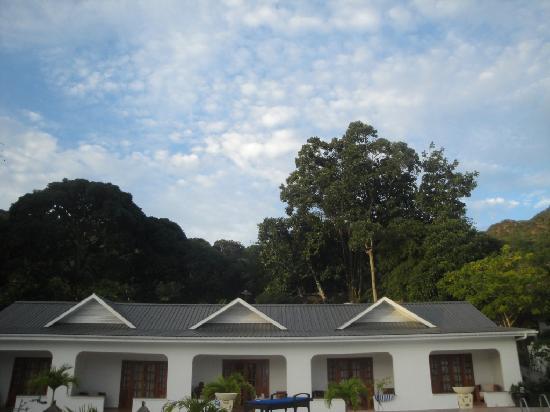 Britannia Hotel-Guest House: La piscina