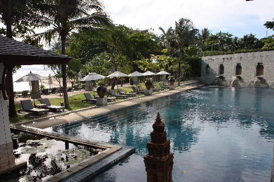 นาคามันดา รีสอร์ท แอนด์ สปา: pool area