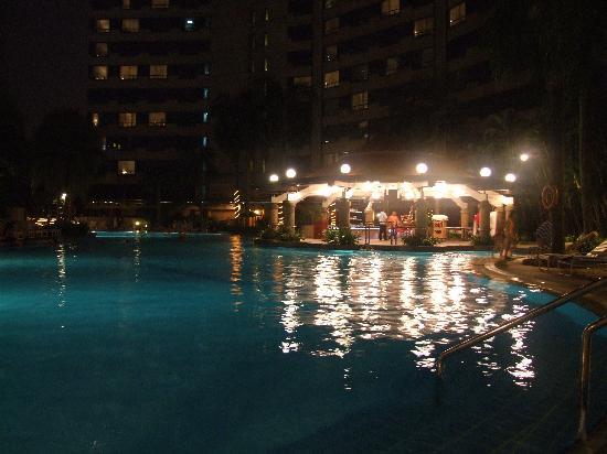 โรงแรมเรอเนซองส์ กัวลาลัมเปอร์: The pool at the Renaissance