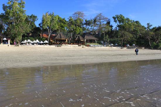 Four Seasons Resort Bali at Jimbaran Bay: Beach in front of PJ restaurant