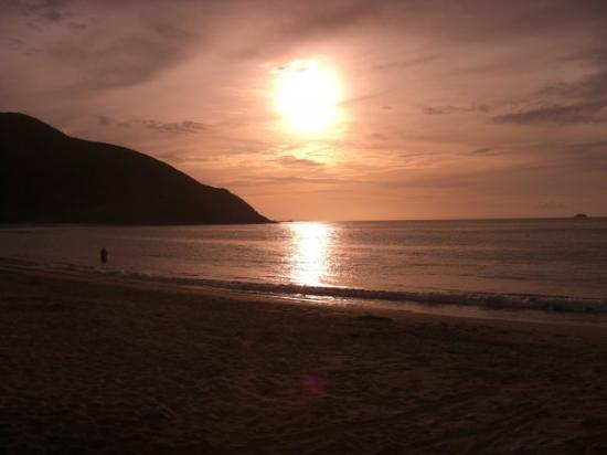 Pedro Gonzáles, Venezuela: atardecer en playa zaragoza -bahia de pedro gonzalez