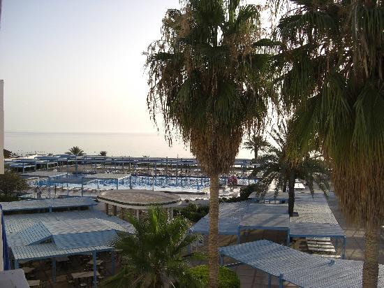 El Mouradi Port El Kantaoui: Beach by the Hotel