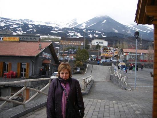 Zafferana Etnea, อิตาลี: Etna'ya da gitmedik demiyelim, neyse patlatmadan döndük valla :))