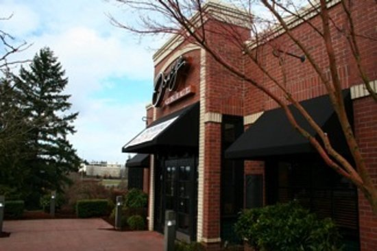 Lake Oswego, OR: Oswego Grill Main Entrance