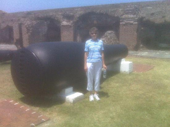 Harbourview Inn: Ft Sumter cannon