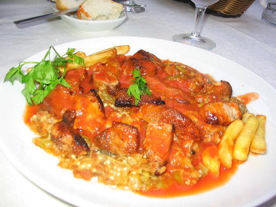 Ipek Restaurant : Yummy Turkish dish with roast chicken and tomato/eggplant sauce