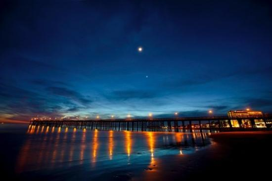 Ventura, CA, United StatesSunset on State Beach, Crowne Plaza Hotel on ...