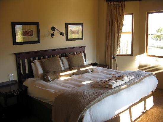 Montusi Mountain Lodge: Inside the garden cottages