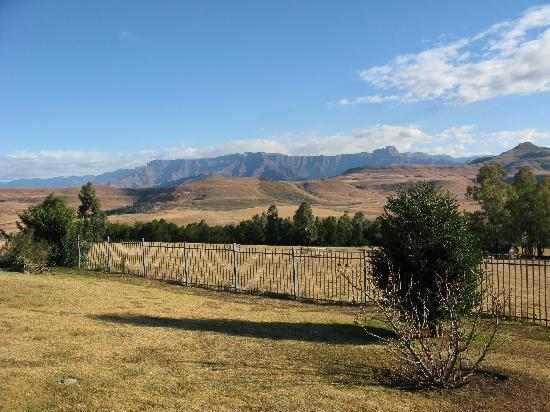 uKhahlamba-Drakensberg Park, Sudafrica: View from outside our cottage