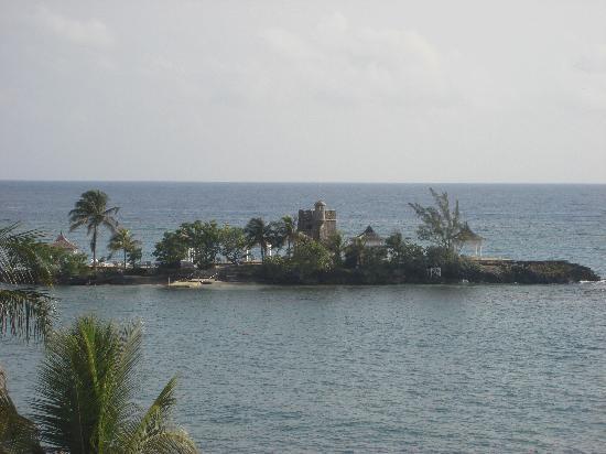 Couples Tower Isle: Tower Isle for au natural sunbathing