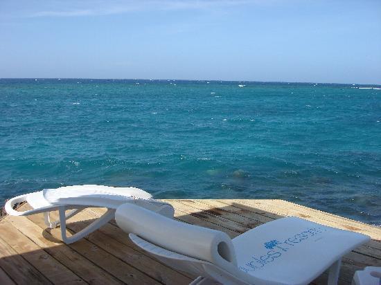 Couples Tower Isle: Sunbathing deck on the island