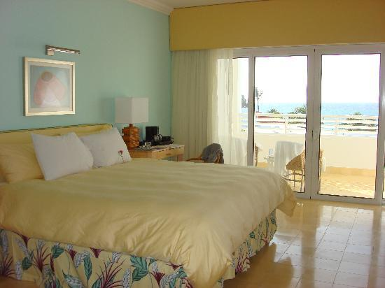Couples Tower Isle: Comfortable room with a great view!