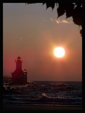 Silver Beach County Park: St. Joseph North Pier Outer Lighthouse, Michigan