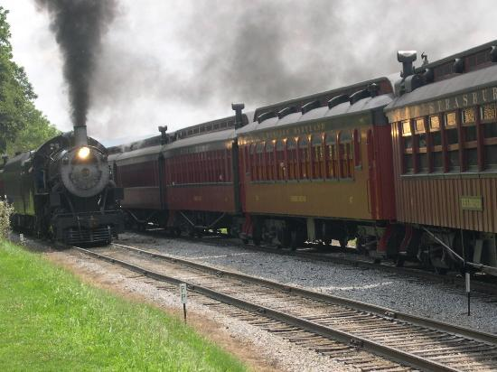 Strasburg Rail Road: The 475 and the 90.
