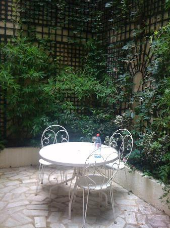 Hotel Beaubourg: The little terrace from room number 4