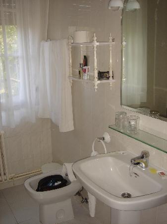 Hotel Xabier: Bathroom