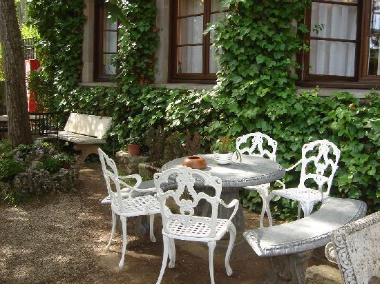 Hotel Xabier: Garden