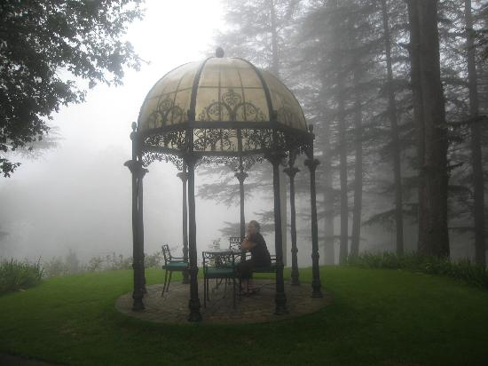 Wildflower Hall, Shimla in the Himalayas: Upper garden chhatri