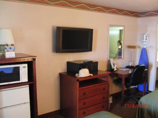 Quality Inn & Suites: camera