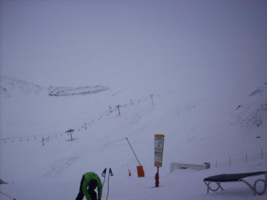 Arinsal, อันดอร์รา: Day 2: Woooo, lots of snow!