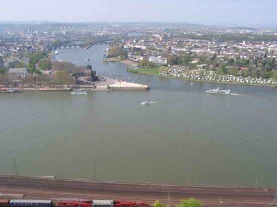 "Koblenz, Tyskland: The ""Deutsches Eck"" :) from the fortress of Ehrenbreitstein"