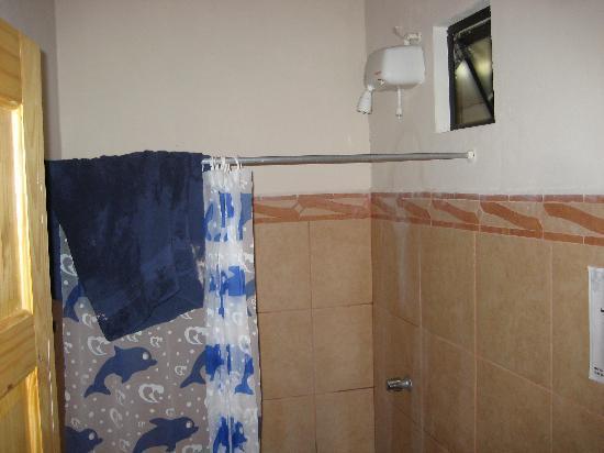 بيتش بريك هوتل: bathroom at bb