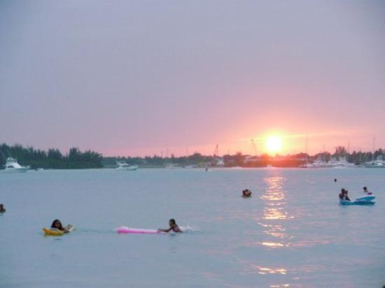 Puesta de sol en Boca Chica