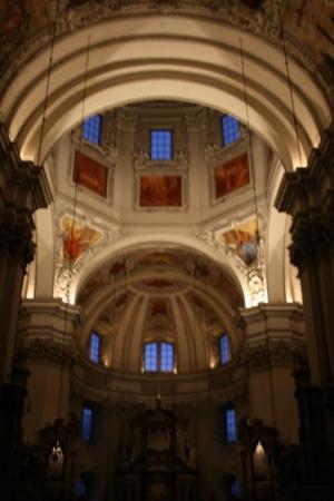มหาวิหารซอลซ์เบิร์ก: Inside the Dom