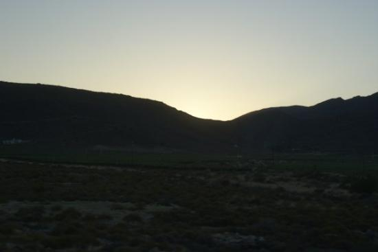 Touwsriver, Sydafrika: Sun up over the interior of SA, extreme North of the Western Cape Province, Touws River.