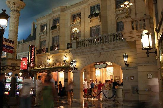 Exterior picture of paris las vegas las vegas tripadvisor for Paris hotel address