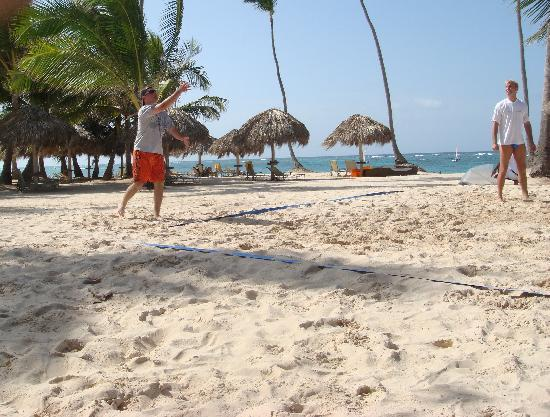 Iberostar Grand Hotel Bavaro: pickup volleyball