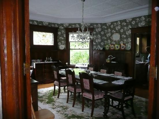 Sleepy Hollow Bed & Breakfast : Dining Room