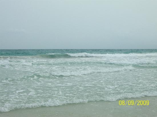 Radhanagar Beach : clear clean water rollin in