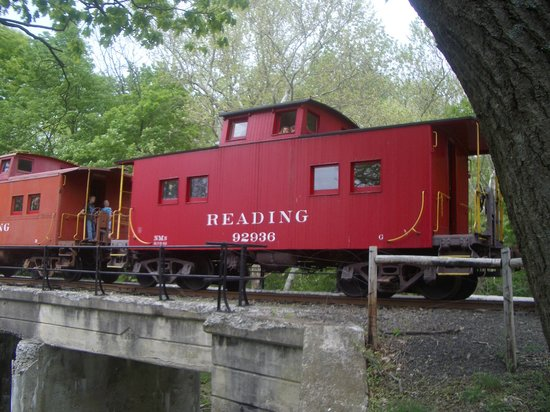 Kempton, PA: 2 Reading Cabooses