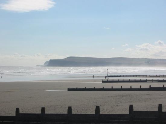 มิดเดิลส์เบรอ, UK: The North Yorkshire coast from Redcar sands