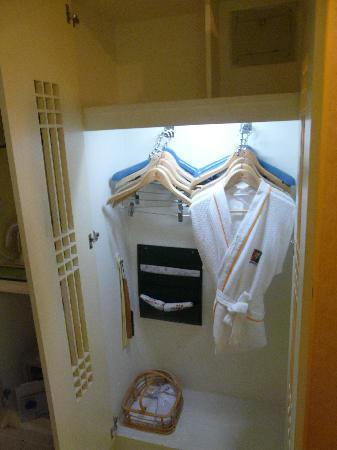 Sun City Hotel: Room Wardrobe