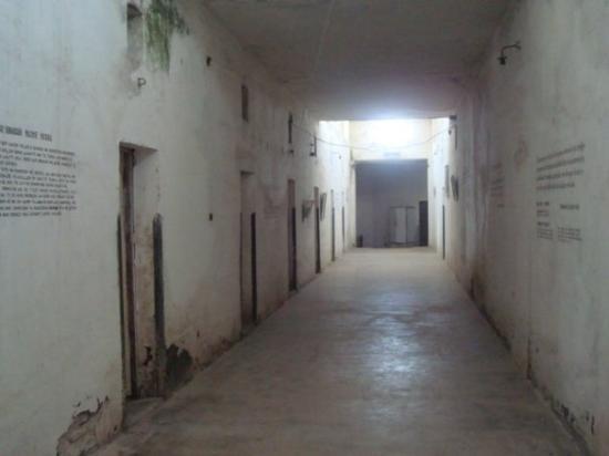 Gjirokaster, Albania: Gjirokastër prisão na cidadela