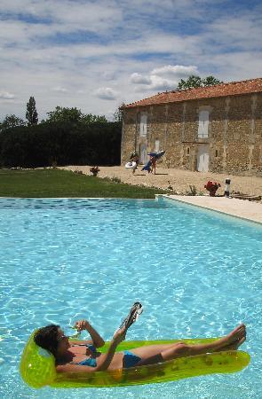 Logis de Beaulieu: herrlich grosses Schwimmbad