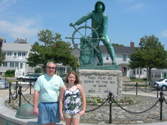 กลอสเตอร์, แมสซาชูเซตส์: Delaney and Randy in Gloucester, MA.  Remember the Perfect Storm movie?