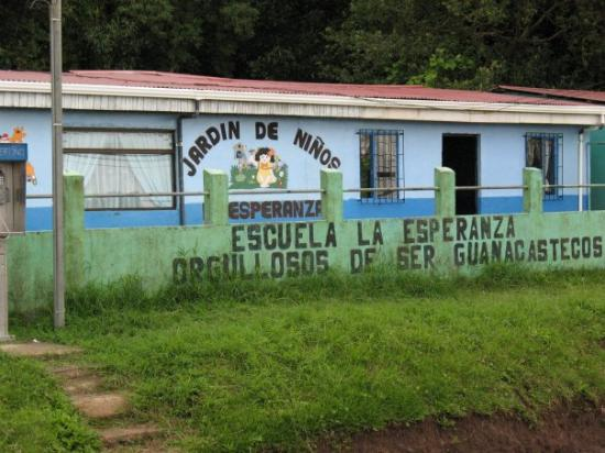 a local K- 7 school on the way to Monteverde