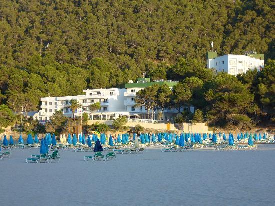 El Pinar Aparthotel: El Pinar and Cala Llonga Beach