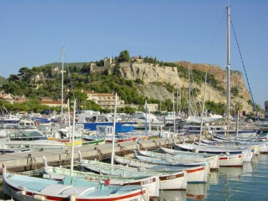 Calanques picture of cassis french riviera cote d for Cassis france hotels