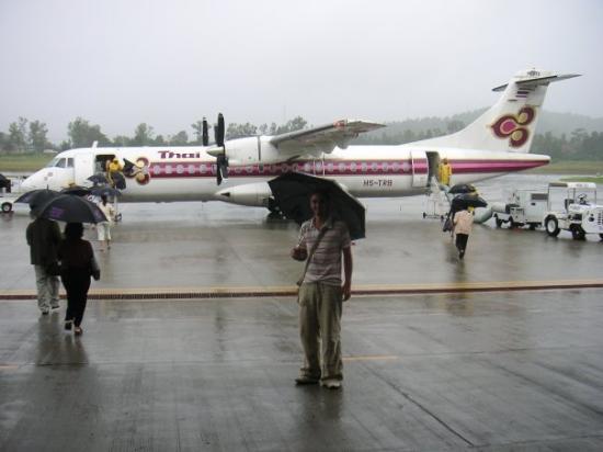 เมืองแม่ฮ่องสอน, ไทย: Mae Hong Son airfield