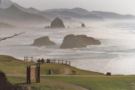 Portland Or Cannon Beach Haystack Rock In Background