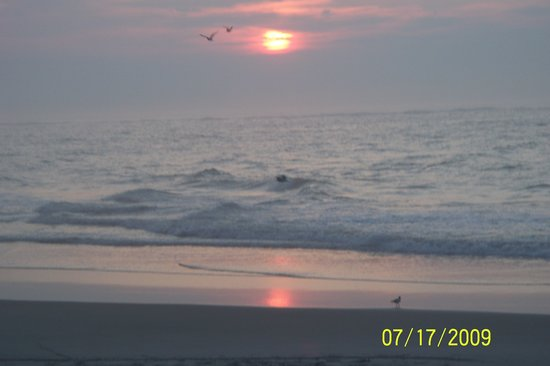 Alante Oceanfront Motel : Sunrise at North Wildwood