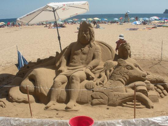 MedPlaya Hotel Regente: sandcastles at the beach